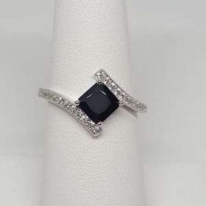 Jewelry - Sterling Silver Elegant Princess Cut Ring